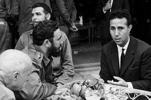 Fidel-Castro-Che-Guevara-et-Ben-Bella-1962-Gamma-Rapho.jpg
