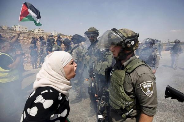 a-palestinian-woman-.jpg