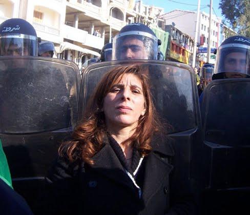 hollande-en-algerie-repression-en-kabylie.jpg