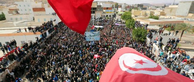 8212386lpw-8212511-article-tunisie-tataouine-greve-jpg_4219623_660x281.jpg